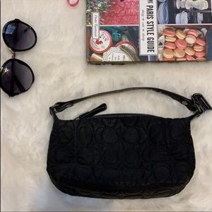 🦃coach Small black quilted signature c bag